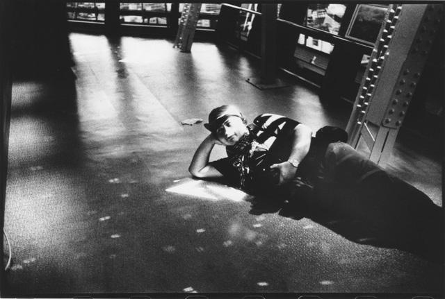 """В знаменитой Осакской """"телебашне нового мира"""". Фотограф Yamasaki Ko-Ji"""
