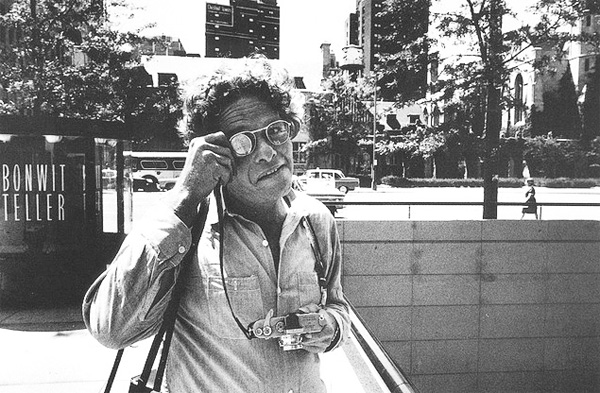 Гарри Виногранд - портрет обезьянки с камерой