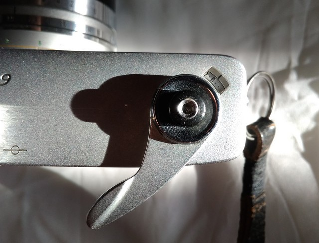 Курок взвода и счетчик кадров Canon Canonet QL17