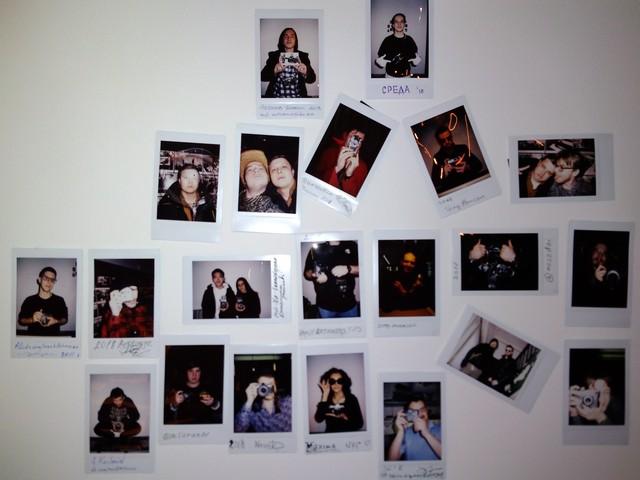 Fujifilm Instax Mini стена в Творческой Лаборатории СРЕДА