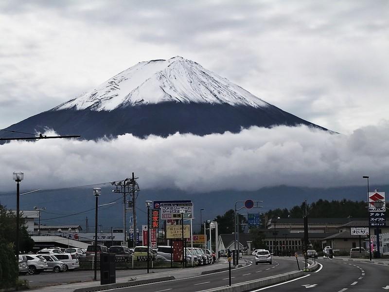 Гора Фудзи. Вид с улиц города Фудзи