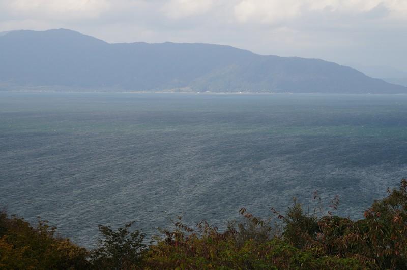Вид на озеро Бива с самой высокой точки острова Окишима
