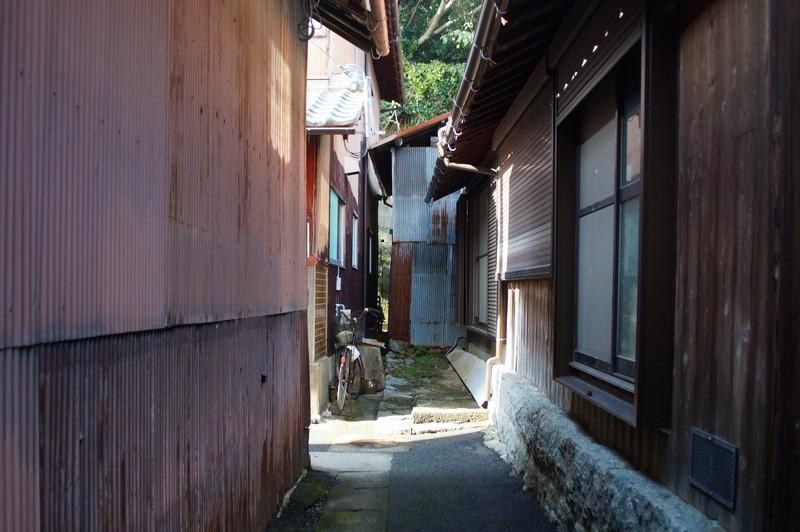 Закоулки между домами острова Окишима