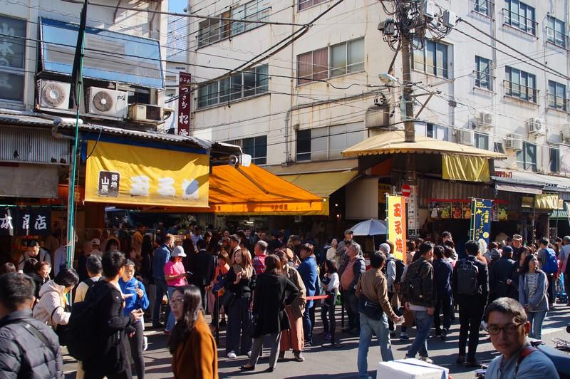 Цукидзи. Главная розничная улица