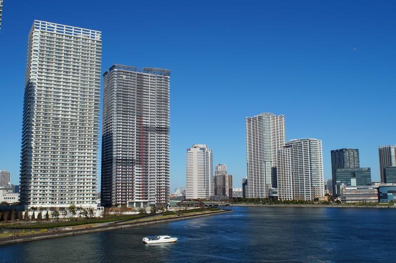 Вид на новостройки с моста района Тоёсу