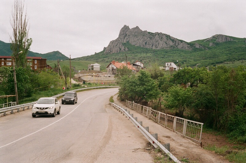 Дорога из Феодосии в сторону Коктебеля