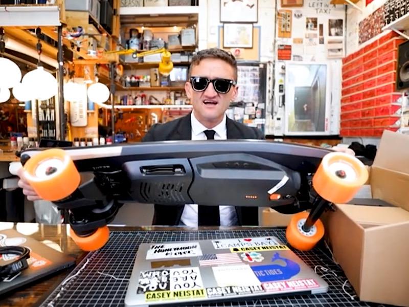 Кейси Нейстат и его любимый Boostedboard