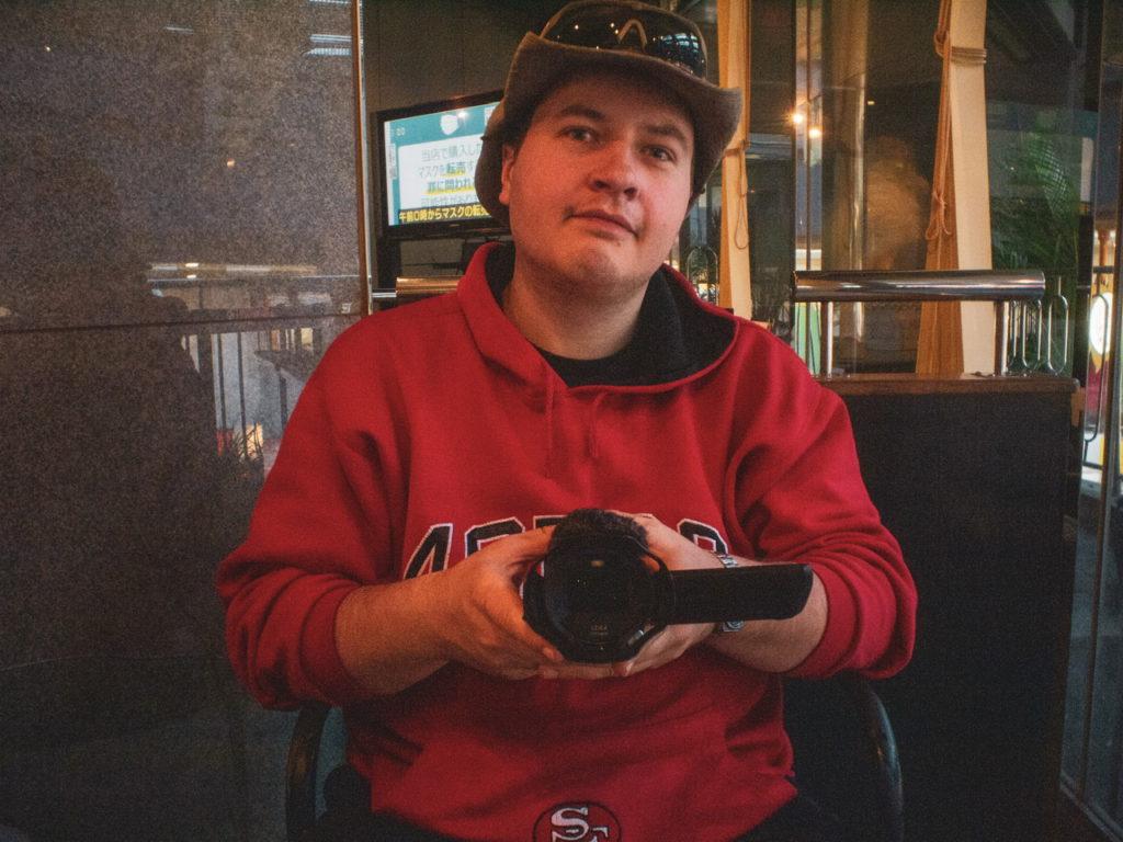 Автор с видеокамерой Panasonic